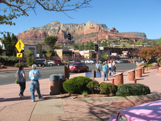The town of Sedona was amazing, which isn't hard to be with the beautiful background!