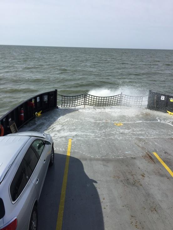 water splashing on the stern