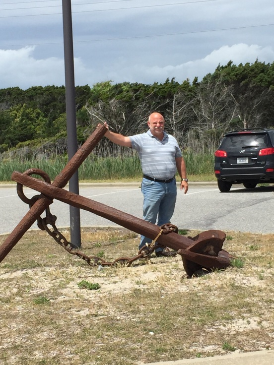 Bill with an anchor