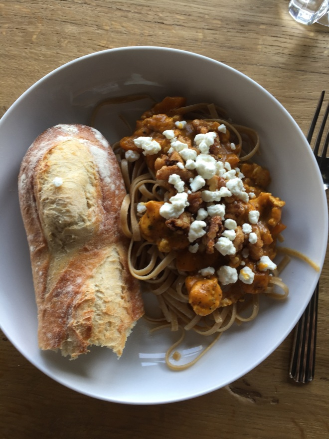 look at this!  YUMMY!  whole wheat pasta (I think it was linguini) pumpkin sauce with ground turkey, sage, candied walnuts (which she candied herself) and goat cheese - WOW!  I was super impressed!